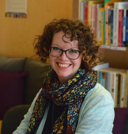 Counsellor Ute Wenkemann in bookshop